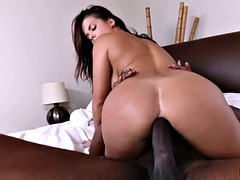 Thick booty of busty Keisha Grey for interracial anal