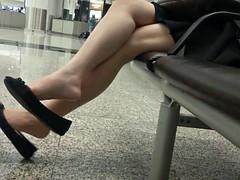 Candid Sexy Asian 18yo Teen Legs Feet Shoeplay Dangling