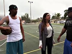 Mia Khalifas Big Black Cock Threesome