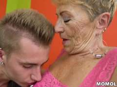 Old granny fucks the young mechanic
