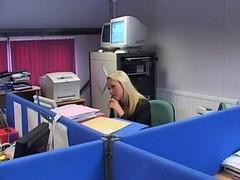 Британки, В офисе, Шлюха