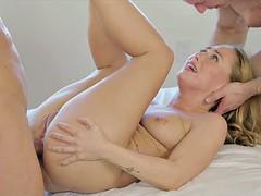 Анальный секс, Блондинки, Минет, Семяизвержение, Двойное проникновение, Пирсинг, Молоденькие, Втроем