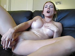 Blonde webcam goddess 21 - squirting in a bowl