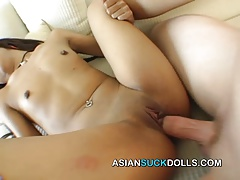 Thai girl sells mouth to foreigner's cock for money