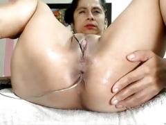 Latina cumming hard
