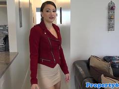 Bootylicious realtor fucks client at showing