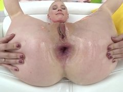 A babe with a nice body is getting licked and fucked really hard