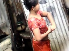 Indian Girl Full Exposed in Public