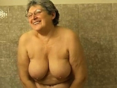OmaPasS Unshaved Granny Bathroom Solo play
