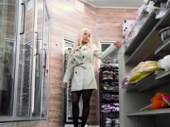 Luna Star In Feeling Aroused During Shoping