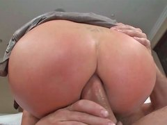 Provocative slut Nikki Benz groans while her booty is banged