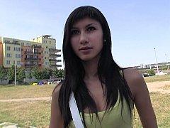 18 ans, Sucer une bite, Brunette brune, Mignonne, Tchèque, Argent, Réalité, Adolescente