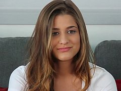 18 ans, Gros seins, Innocente, Naturelle, Seins naturels, Maigrichonne, Se déshabiller, Adolescente