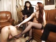 Femme dominatrice, Pénétrer avec le poing, Jarretelles