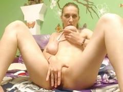 Glamorous saggy tits