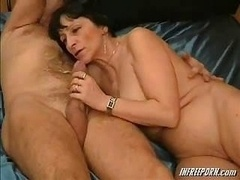 Amateur Granny Oral sex
