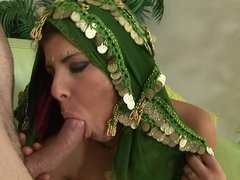 Anal, Sucer une bite, Brunette brune, Faciale, Hard