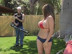 Tetas grandes, Bikini, Tetona, Madres para coger, Al aire libre, Tetas