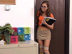 デカチン, 茶髪の, 大学生, 眼鏡, 清楚, 靴下, 教師, 締まりの良い