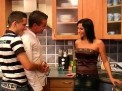 Biseksueel, Pijpbeurt, Bruinharig, Trio