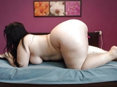 Sizeable Booty ON WEBCAM