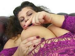 British mom i`d like to fuck Gilly dongs her shaven fanny for us