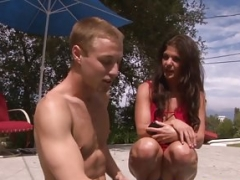 Erotically attractive cougarmom doggystyled by young and fresh dude