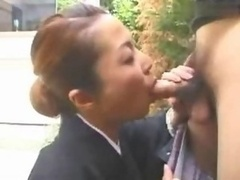 Asiatic Soccer mom fellation and plus cum in mouth in garden