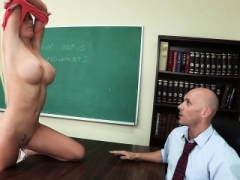 Brazzers - Hooters at School - Alexis Ford J