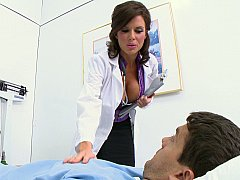 デカパイ, フェラチオ, 茶髪の, 巨乳な, 医者, 看護婦, ストッキング, ユニフォーム