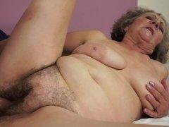 Mooie dikke vrouwen, Grote mammen, Pijpbeurt, Bruinharig, Sperma in gezicht, Omie