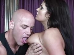 Boobalicious shlong sucking hoe