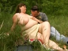 Real bbw getting down and dirty outdoor
