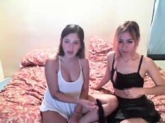 Inexperienced Zuzinka does lesbian striptease