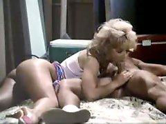 Retro Housewife Make love