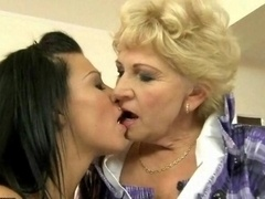 Granny and sexy gal having lez fun