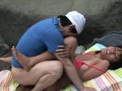 Far eastern amateur has outdoor sex