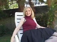 Nina Hartley: Hot Outdoor...