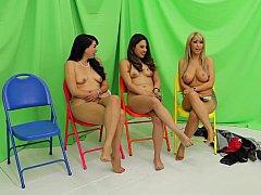 Chica, Rubia, Morena, Ropa a, Masturbación, Dinero, Flaco, Desnudarse
