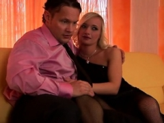 Erotically attractive blonde works 2 huge sextoys in amateurs show