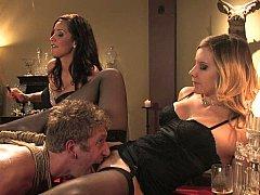Domination, Pieds, Femelle, Femme dominatrice, Lingerie, Maîtresse, Jarretelles, Plan cul à trois
