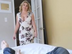 Perv mom Kiki Daire is so aroused as she swallow a young cock