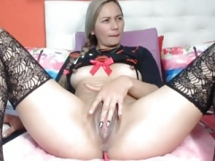 Squelching vagina takes a big toy