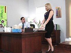 Blonde, Mère que j'aimerais baiser, Bureau