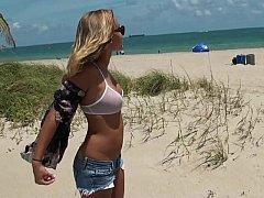 18 ans, Amateur, Bikini, Blonde, Plantureuse, Petite amie, Adolescente