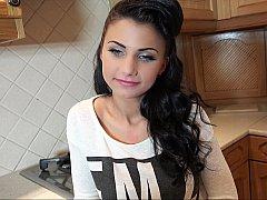 18 ans, Amateur, Brunette brune, Hard, Naturelle, Pov, Réalité, Adolescente