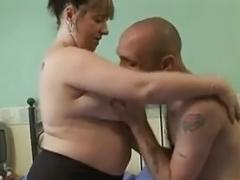 Británico, Sexo duro, Tetas colgantes