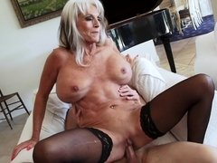 Sally is a sexy mature babe with a hungry wet ussy