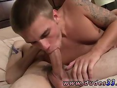 2 horny boys in tats enjoy bj