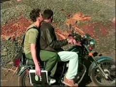 Two queers go to the mountains by bike and make gay love there